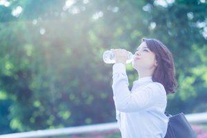 夏の疲れを水分補給で溜めない方法
